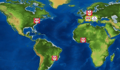 Goud: moederclub Red Bull Salzburg. Rood: opgekochte/opgerichte clubs RasenBallsport Leipzig, New York Red Bulls, Red Bull Brasil en Red Bull Academy Sogakope. Groen: Salzburgs satellietclub FC Liefering
