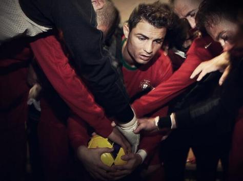 Bij Portugal wil Cristiano Ronaldo altijd de bal hebben. Foto: worldsoccertalk.com