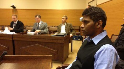 Wilson Raj Perumal tijdens een verhoor in Finland. Foto: 3.bp.blogspot.com.